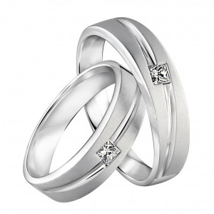 engagement-wedding-rings